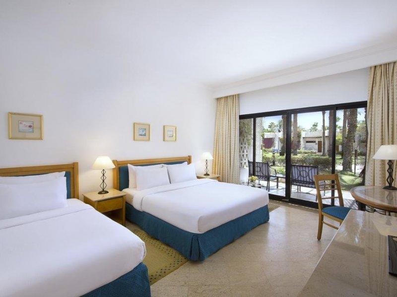 Al Fayrouz Resort - 10 Popup navigation