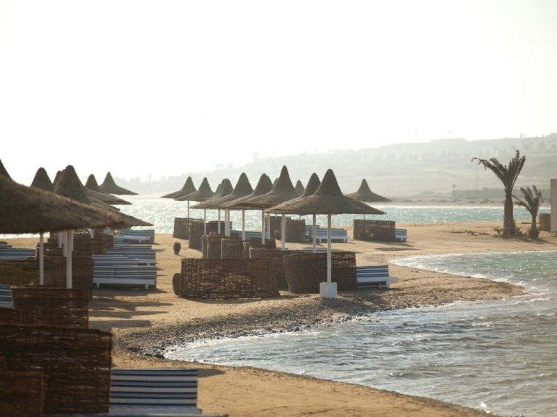 Coral Beach Resort - 8 Popup navigation